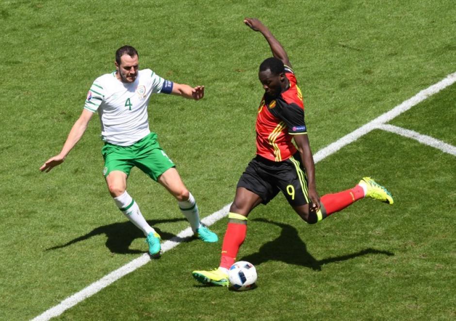 Irlanda está con un punto en el grupo, deberá de pelear su pase ante la poderosa Italia. (Foto: AFP)