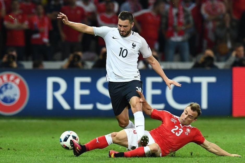 Francia pasó en primer lugar del grupo y Suiza como segundo. (Foto: AFP)