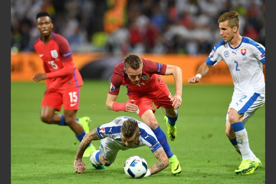 Eslovaquia le plantó resistencia a Inglaterra y está cerca de clasificar como uno de los mejores terceros en la Euro. (Foto: AFP)