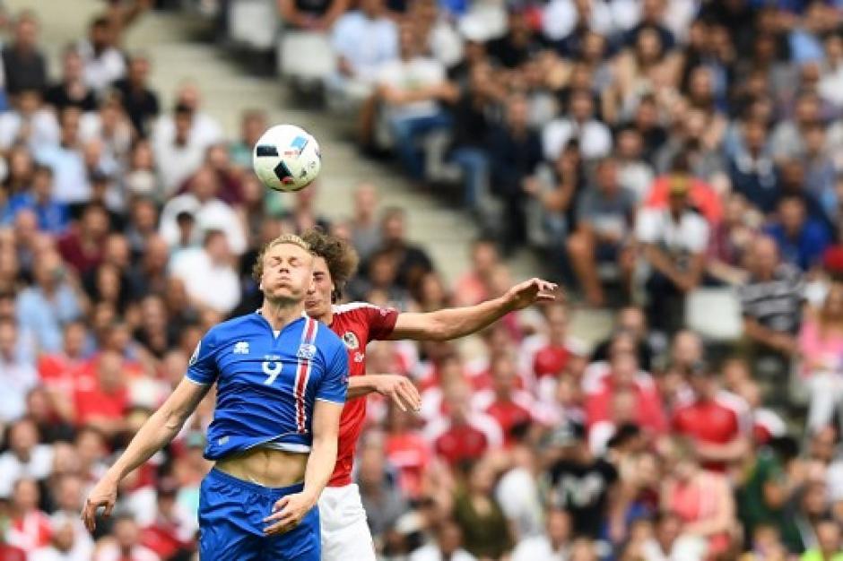 El juego fue disputado y estuvo empatado gran parte del tiempo. (Foto: AFP)