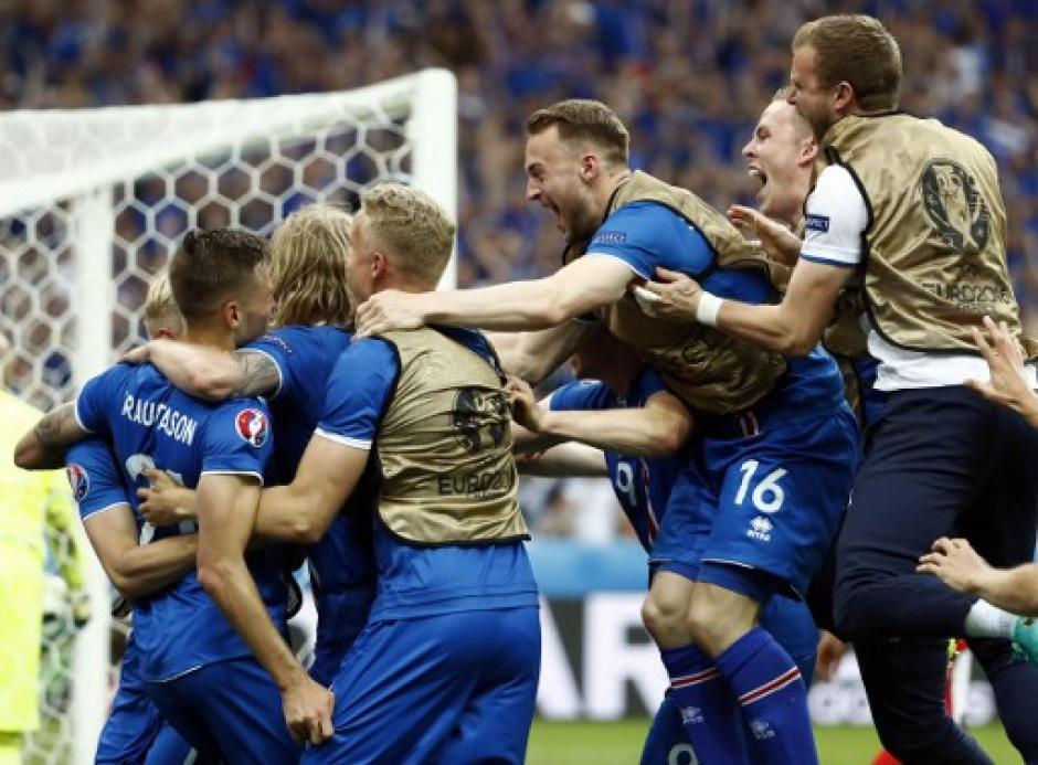 Islandia ganó con un gol de último minuto a Austria. (Foto: AFP)