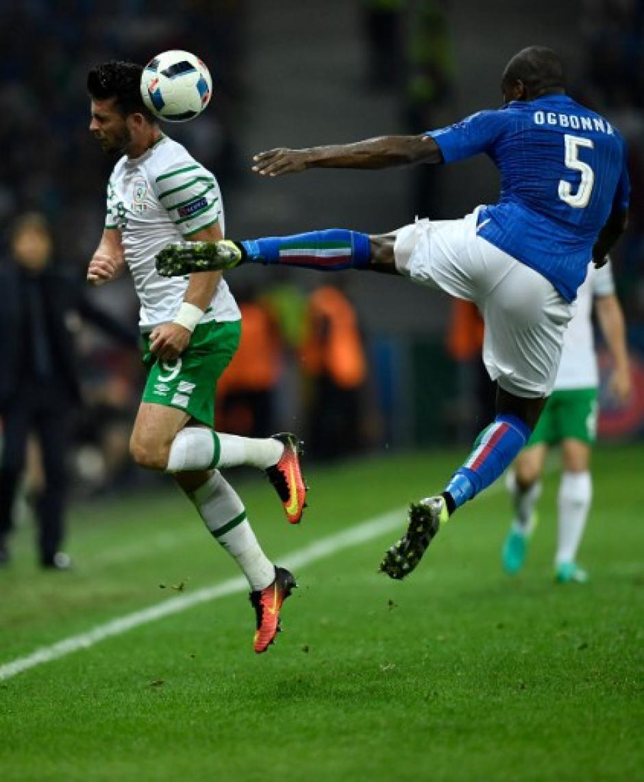Sobre la hora Irlanda derrotó por la mínima a los italianos. (Foto: AFP)