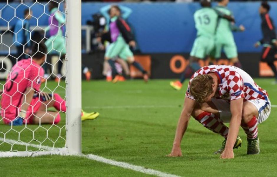 El lamento de Croacia fue notorio, quedaron al margen de la Euro y habían clasificado como primeros de su grupo. (Foto: AFP)