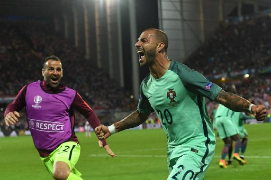 Ricardo Quaresma anotó el gol de la clasificación de Portugal, en el segundo tiempo extra. (Foto: AFP)
