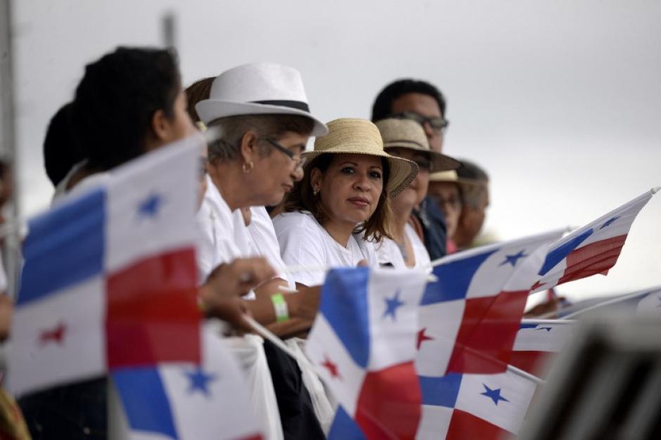 Tras casi nueve años de titánicas obras, un renovado y ensanchado Canal de Panamá queda abierto este domingo. Foto: AFP)