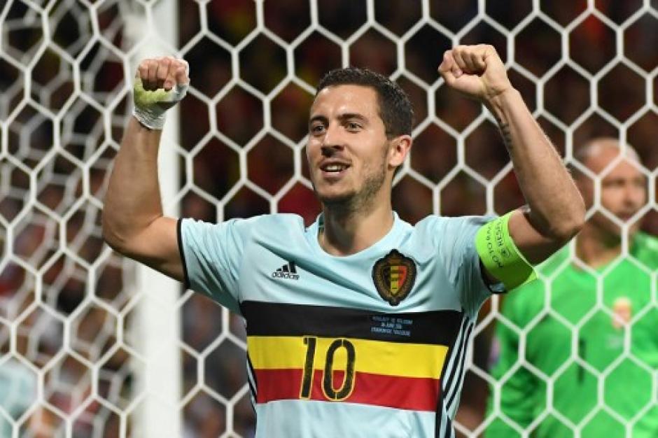 Eden Hazard fue el mejor del partido, con golazo y asistencia (AFP)