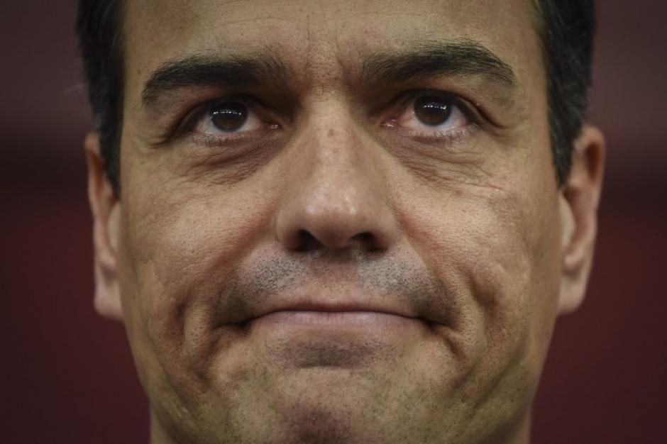 Su líder Pedro Sánchez aseguró que no votaría por un gobierno conservador (Foto: AFP)
