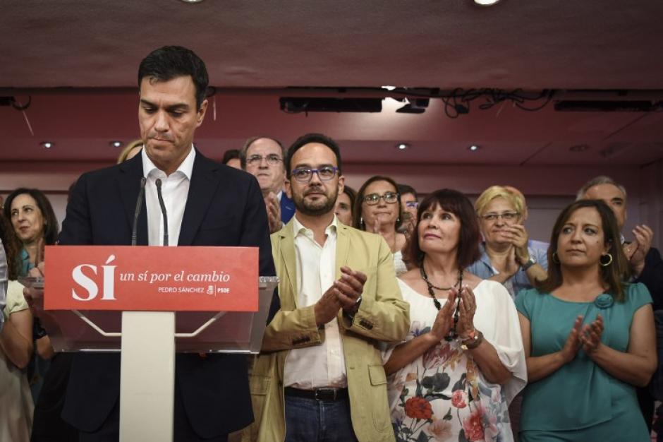 El PP buscará sin duda el apoyo del PSOE, que obtenía 86 escaños.  (Foto: AFP)