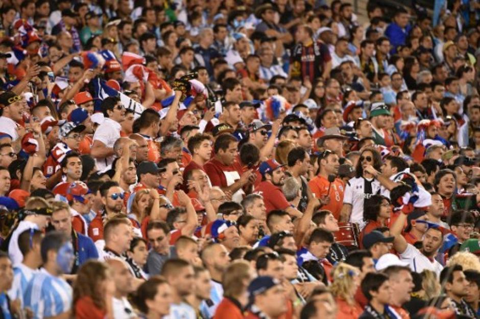 La afición gozó de la gran final de la Copa América, 82 mil espectadores asistieron al juego definitorio. (Foto: AFP)