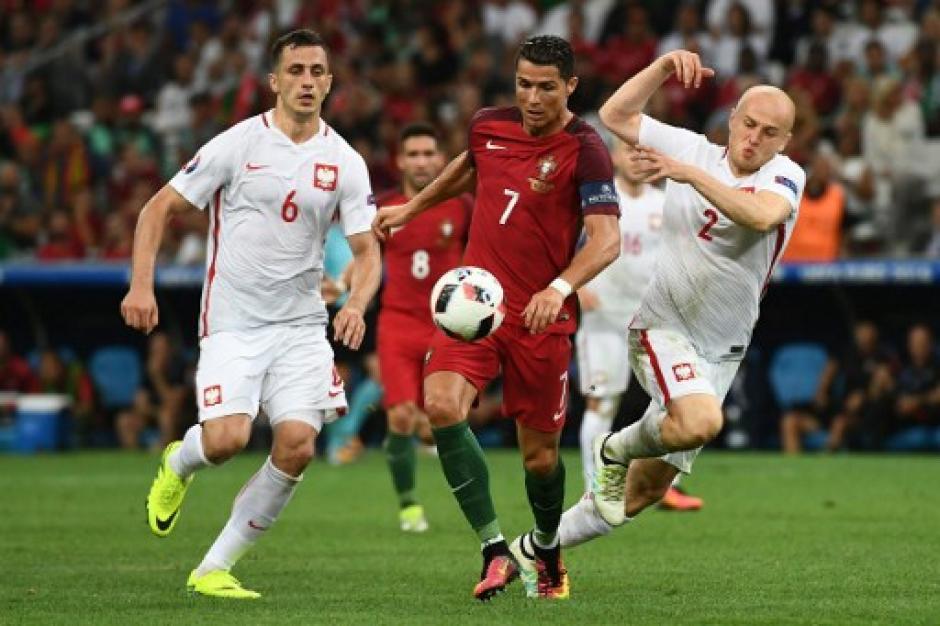 Cristiano Ronaldo estuvo marcado todo el tiempo. (Foto: AFP)