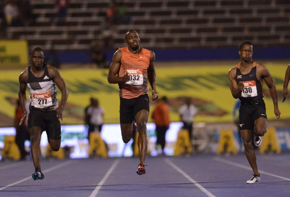 Usain Bolt durante las pruebas en las que se lesionó. (Foto: AFP)