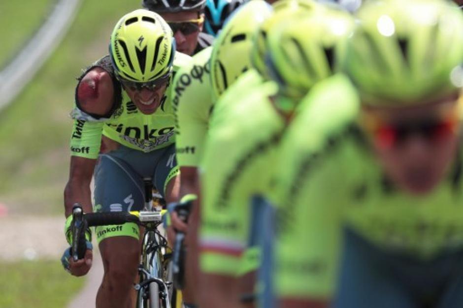 Contador se levantó de inmediato y continuó en la competencia. (Foto: AFP)