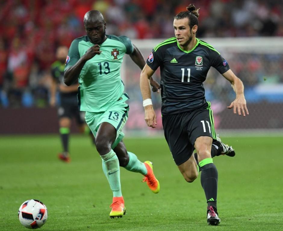 Gareth Bale fue el más peligroso de Gales pero no le alcanzó para llevar a su equipo a finales. (Foto: AFP)