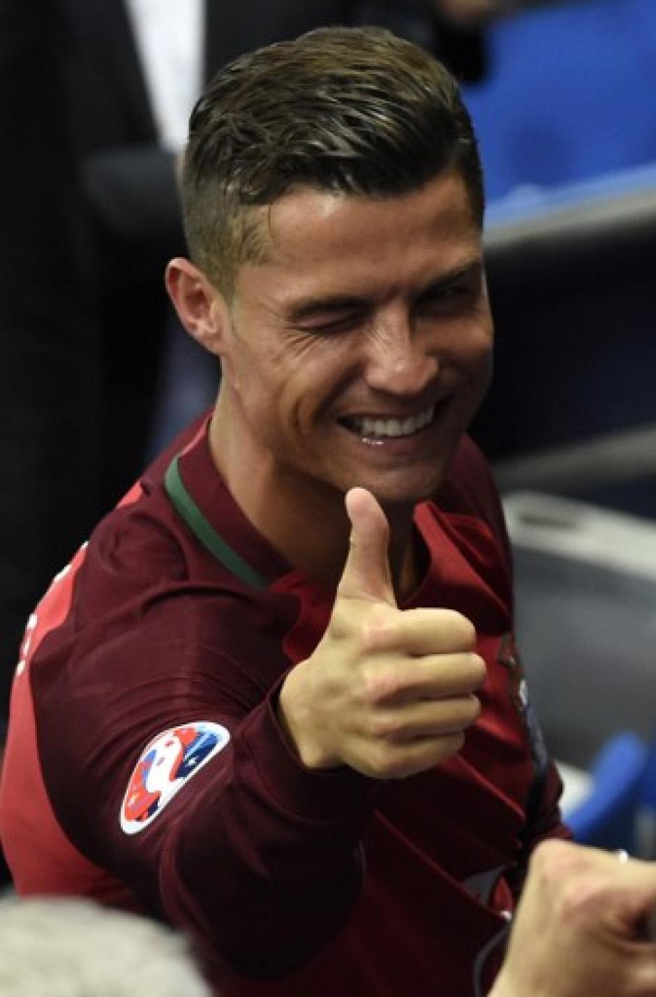 Cristiano celebró con todos los que pudo tras derrotar a Francia. (Foto: AFP)