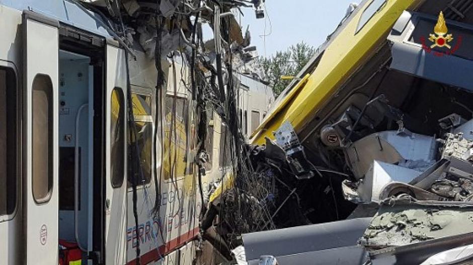 Se reportan al menos 20 personas fallecidas y decenas de heridos. (Foto: AFP)