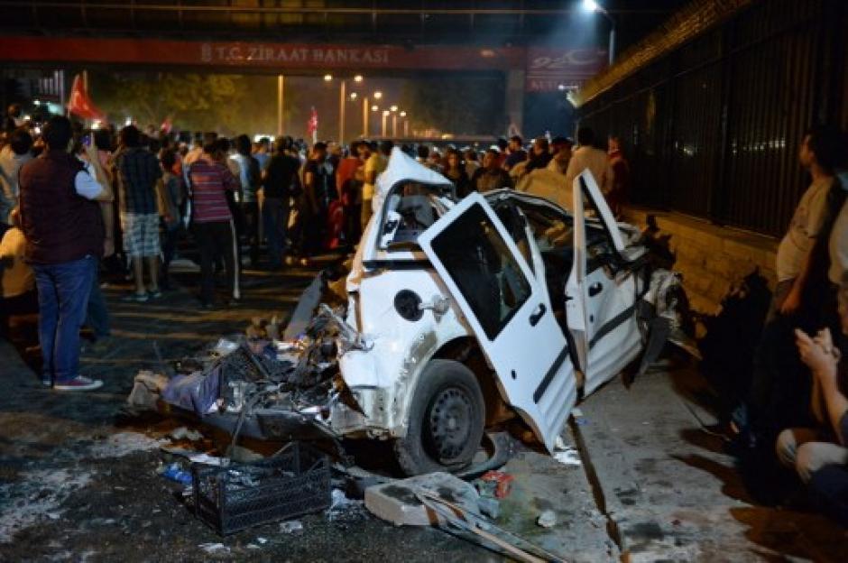 Se reportan más de 40 personas fallecidas en los enfrentamientos y más de 140 arrestados. (Foto: AFP)
