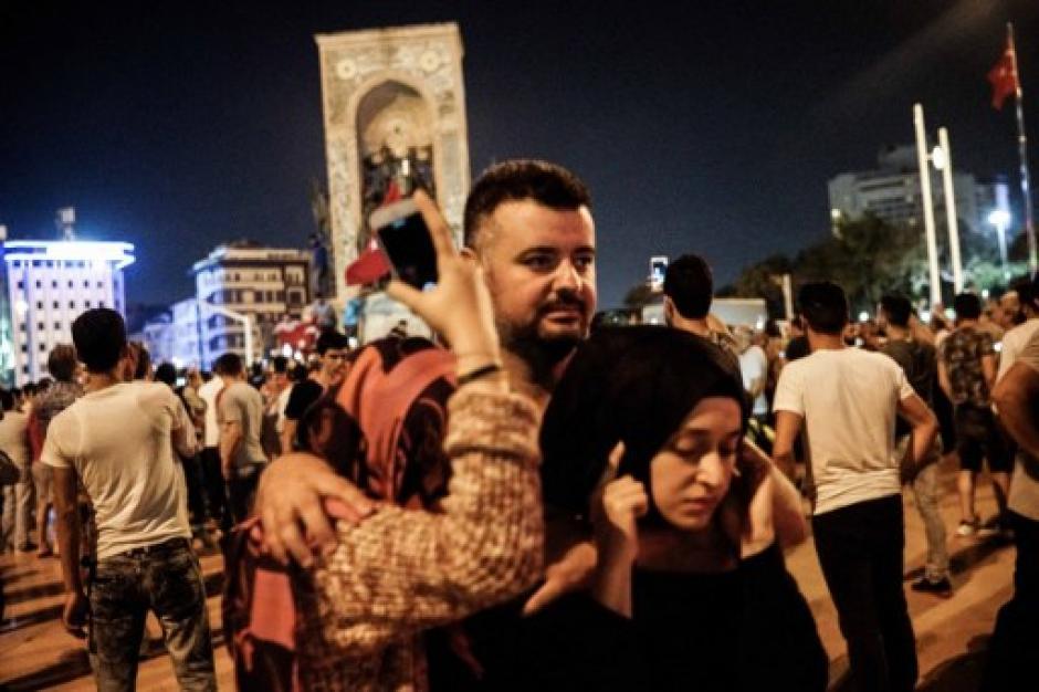También fue bombardeado el parlamento de la ciudad de Ankara. (Foto: AFP)