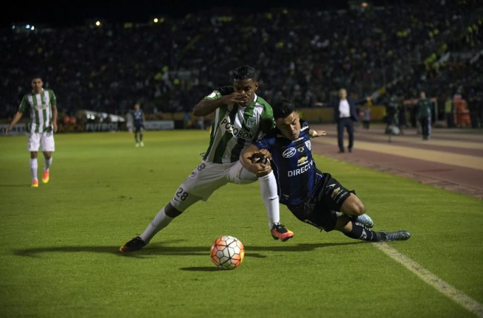 Independiente del Valle y Atlético Nacional empataron 1-1 en la final de ida de la Libertadores. (Foto: AFP)