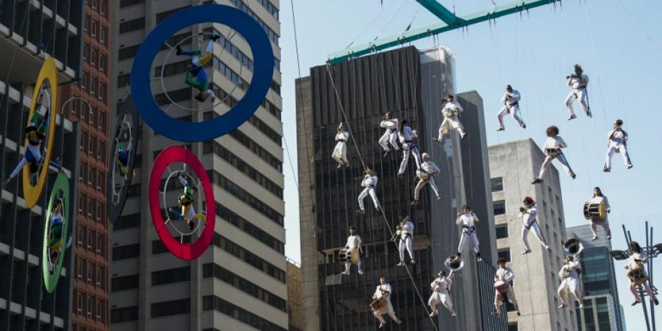 Sao Paulo ha vivido un día especial con el paso de fuego olímpico por sus calles. (Foto: AFP)