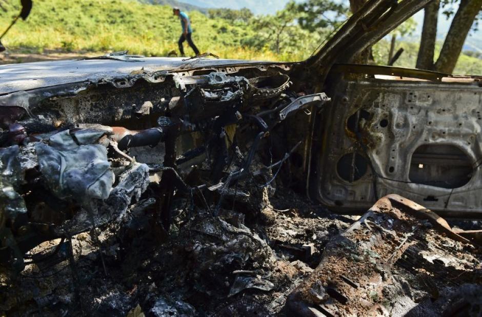 """Vista de dentro del picop quemado en el Rancho Comedero Colorado, en Tamazula, Durango, tras el enfrentamiento con """"El Chapo"""" Guzmán. (Foto: Ronaldo Schemidt/AFP)"""