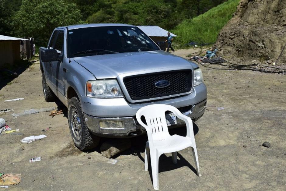 Una camioneta dañada por los disparos en el Rancho El Águila, en Tamazula, Durango. (Foto: Ronaldo Schemidt/AFP)