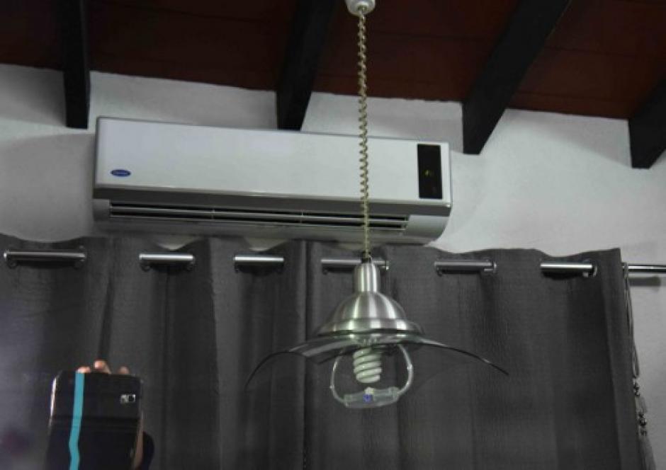 La habitación cuenta con aire acondicionado como se puede evidenciar en la imagen. (Foto: Norberto Duarte/AFP)