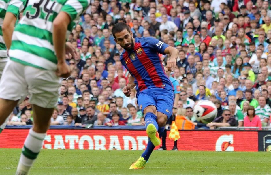 Arda Turan marcó un golazo en el primer tiempo (AFP)