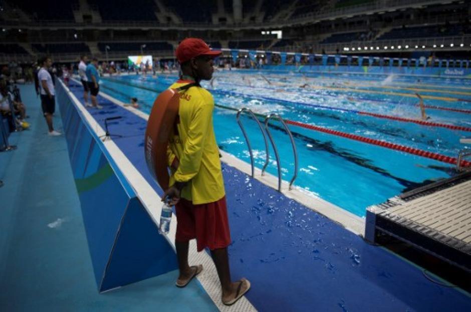 La organización de Río de Janeiro contrató decenas de salvavidas para cuidar las piscinas olímpicas