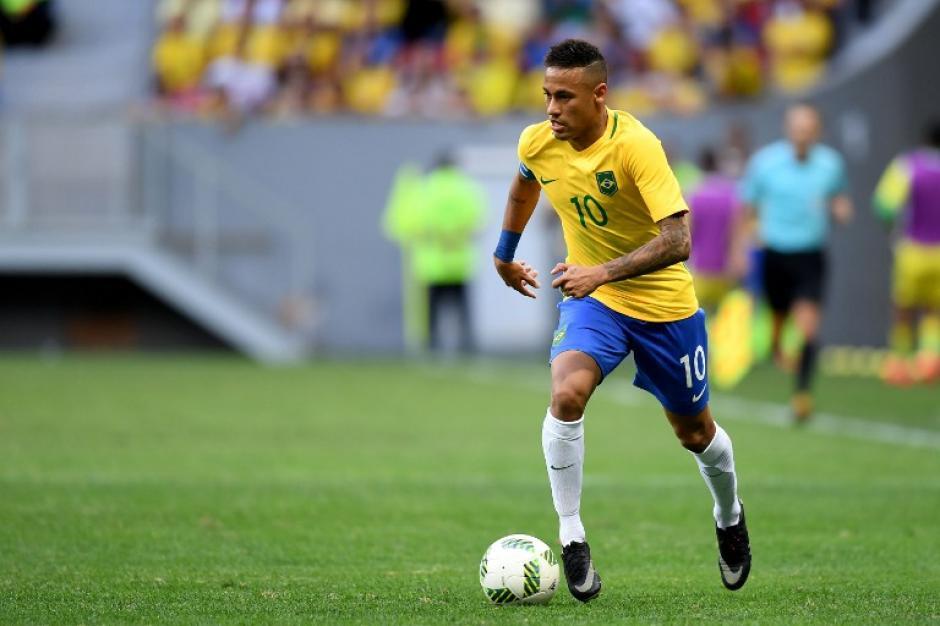 Neymar no quiso salir de Brasil en 2005 (Foto: AFP)