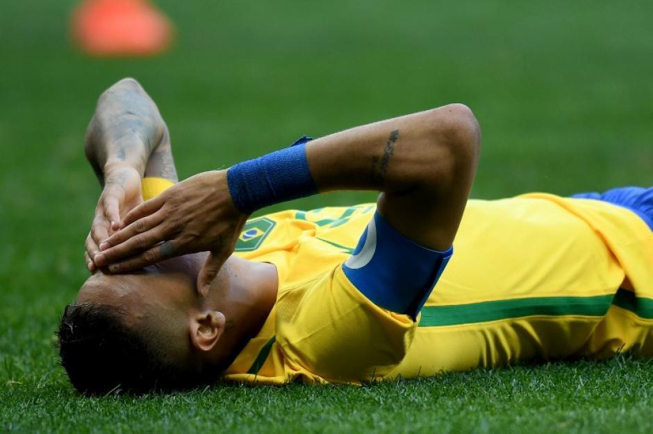 Tanto Sudáfrica como Irak lo marcaron todo el partido. (AFP)