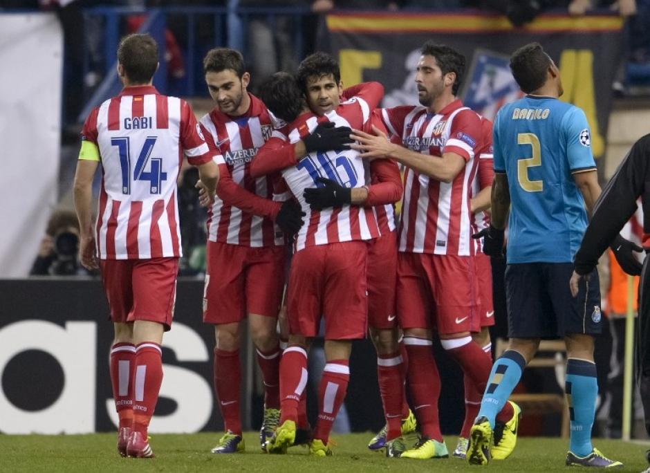El Atlético de Madrid fue el gran beneficiado del resultado del clásico ya que recuperó el liderato de la Liga.
