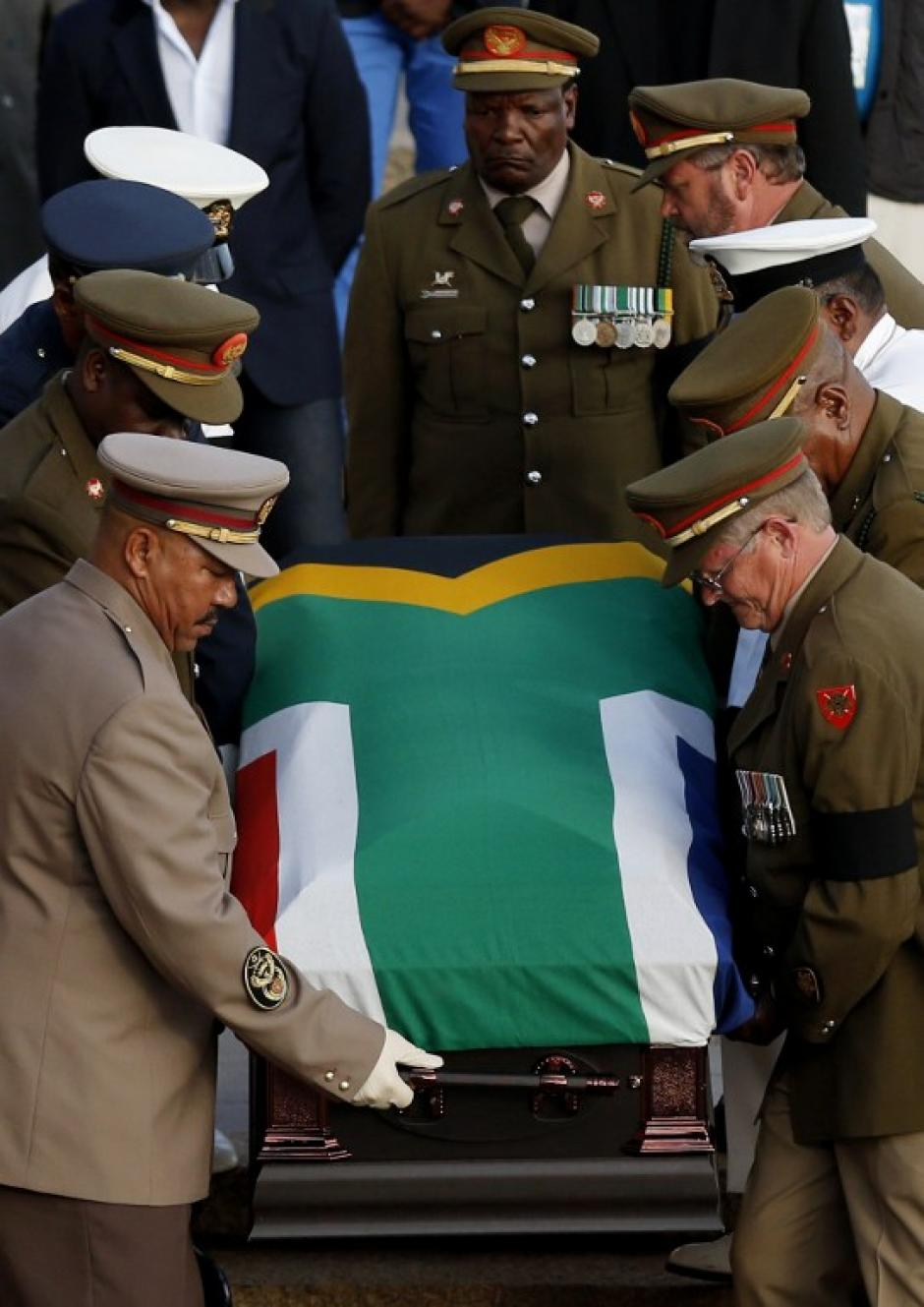 El féretro del ícono durante la despedida final para el público. Foto AFP