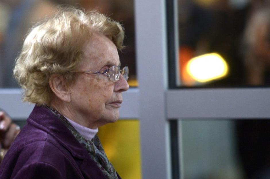 Herlind Kasner madre de la canciller Merkel asistió a la ceremonia de juramentación. Foto AFP