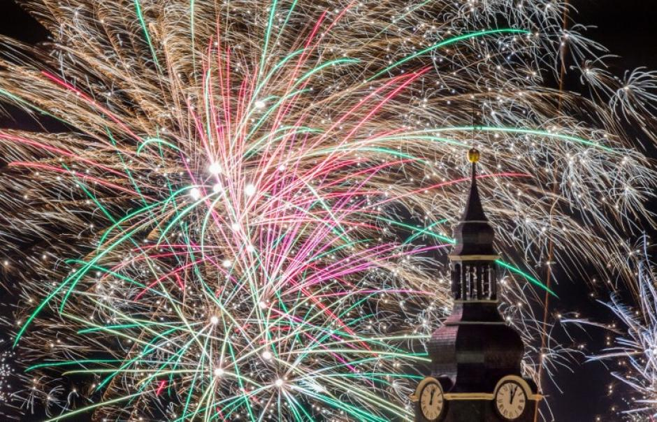 Los alemanes tambièn iluminaron su cielo nocturno en las primeras horas del 2014
