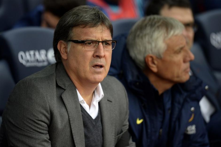 """Los gestos del """"Tata"""" Martino, técnico del Barcelona al observar el partido. Foto AFP"""