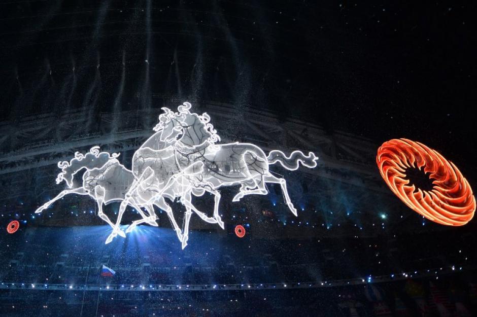 Luz y color llenaron el espectáculo de la inauguración de Sochi 2014. (AFP)