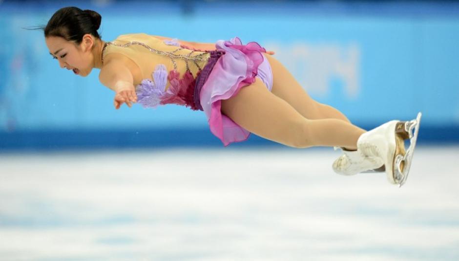 La japonesa Mao Asada durante su presentación de patinaje sobre hielo