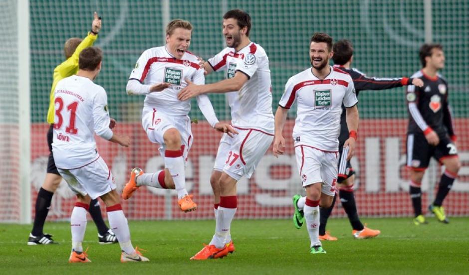 El Leverkusen marcha segundo en la Bundesliga, con 43 puntos, 13 unidades abajo del líder, el Bayern Munich