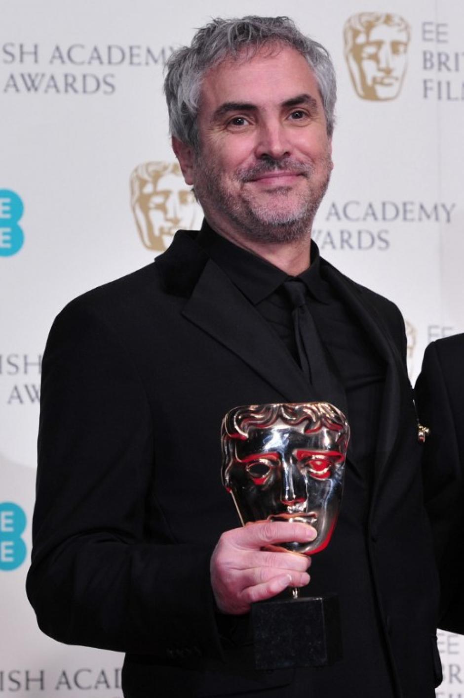 La Academia Británica de Cine premió al mexicano Alfonso Cuarón como el mejor director de película. Foto AFP