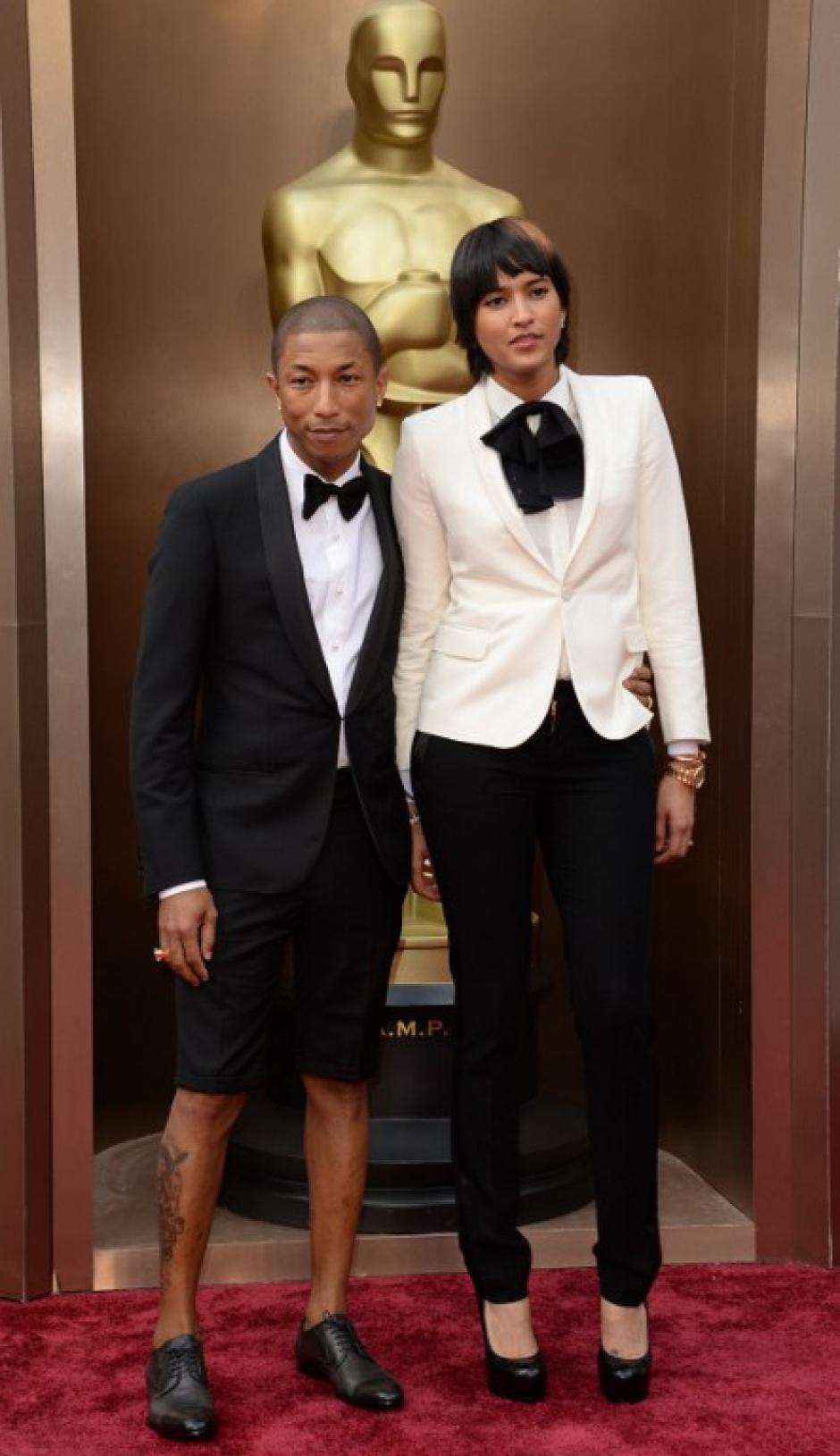"""El cantante Pharrell Williams, nominado a mejor canción por """"Happy"""", optó por pantalones cortos. (Foto: AFP)"""