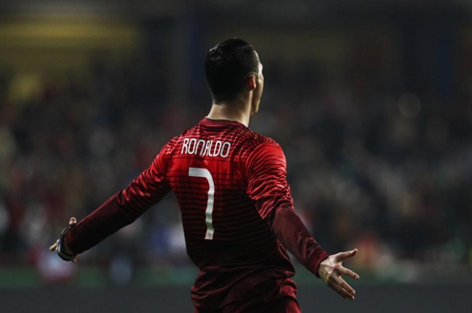 Cristiano Ronaldo abrió el marcador ante Camerún al minuto 21