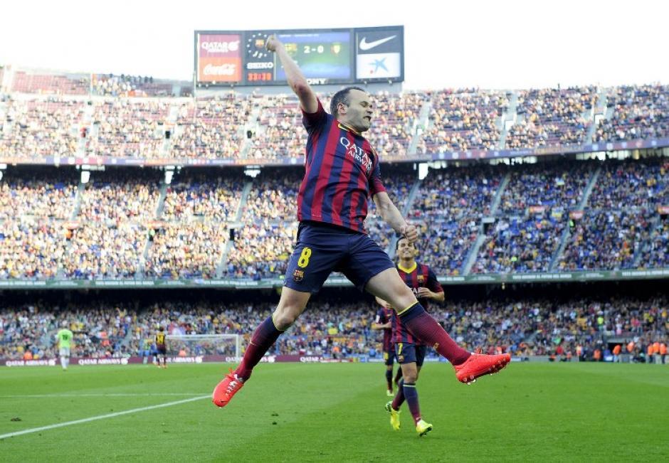Andrés Iniesta celebra el gol anotado en la última jornada de la Liga ante el Osasuna