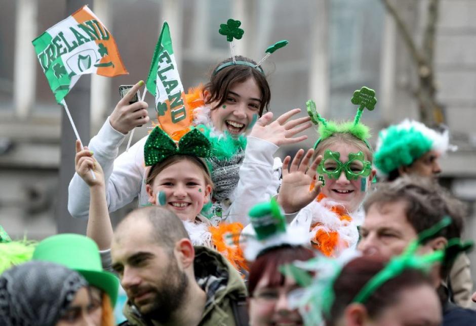 En Irlanda se celebra un desfile en honor a su santo patrón. (Foto: AFP)