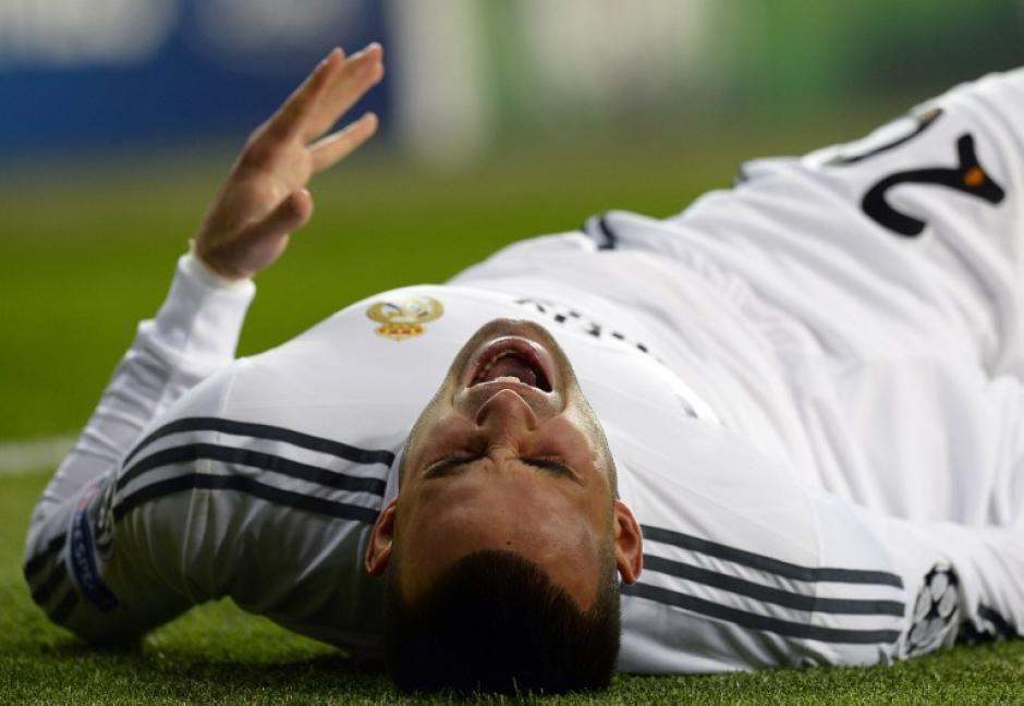 El jugador del Madrid se lesionó en una jugada al minuto dos y fue sustituido seis minutos después por Gareth Bale