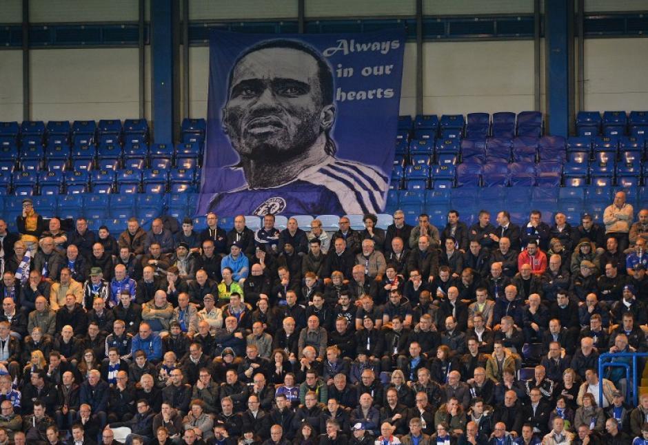 Drogba es recordado por anotar el gol que le dio el título de la Champions al Chelsea, equipo del que formó parte. (Foto: AFP)