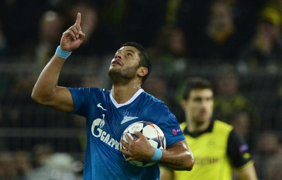 Hulk abrió el marcador con un potente disparo desde unos 25 metros que se convirtió en un vistoso gol