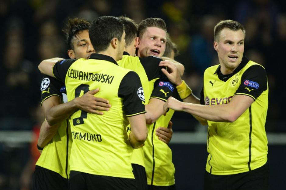 El Borussia Dormund apenas pudo descontar por medio de Sebastian Kehl en su derrota por 2-1 ante el Zenit, pero avanzó a cuartos de final de la UEFA Champions League. (Foto: AFP)