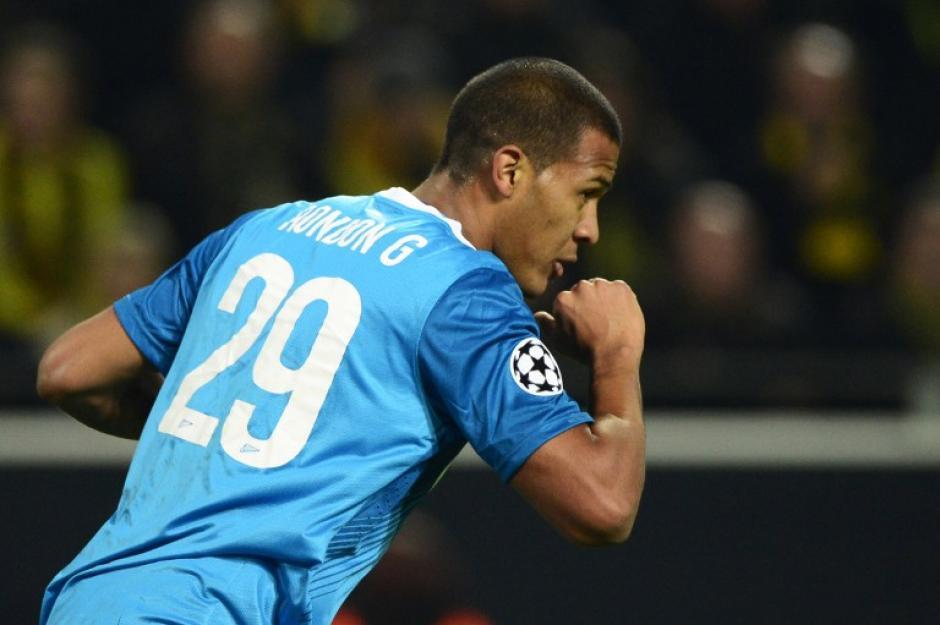 El venezolano José Rondón celebra el 2-1 final que le dio la victoria al Zenit, pero que no alcanzó para que el equipo ruso clasificara a cuartos de final de la Champions