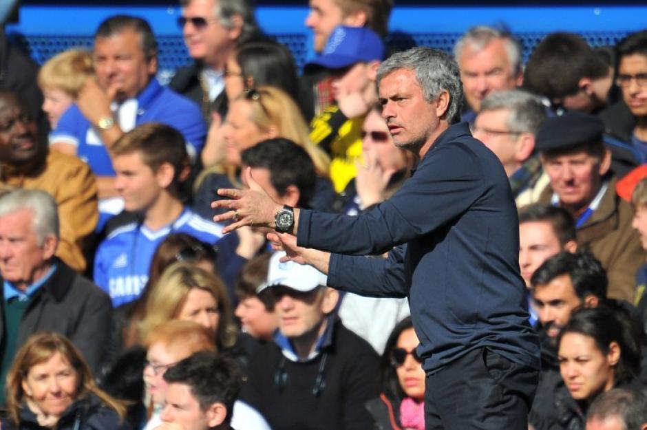 Mou ganó la partida a Wenger. (Foto: AFP)