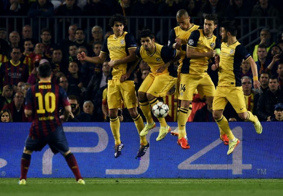 La defensa del Atlético de Madrid ha estado puntual ante las arremetidas del Barcelona. (Foto: AFP)